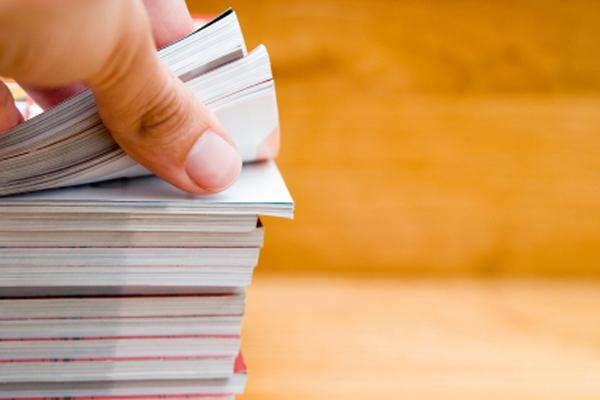 4 大风格手册对多栏位图片标示方法的差异