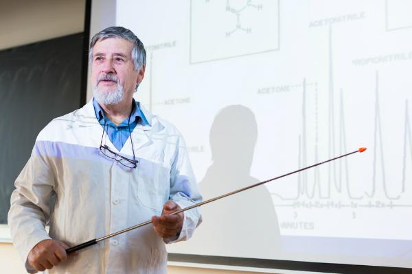 为何美国总统特朗普需要立即指派科学顾问