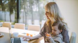 新冠疫情期间在家工作:3位杰出的学术界职场母亲分享了她们的故事